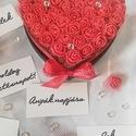 Petite Love rózsabox, több színben, Dekoráció, Szerelmeseknek, Otthon, lakberendezés, Anyák napja, Ha nem a méret a lényeg! Kedves kis ajándék szülinapra, névnapra, Valentin napra, évfordulóra stb. A..., Meska