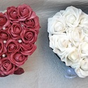 Szív küldi szett (2 db), Anyák napja, Esküvő, Otthon, lakberendezés, Asztaldísz, Virágkötés, A szett 2 db nagyobb szív alakú habrózsadobozt tartalmaz. Egyik doboz bordó habrózsákkal (18 db),a ..., Meska