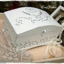 Pénzátadó láda esküvőre, Dekoráció, Esküvő, Otthon, lakberendezés, Nászajándék, Romantikus  vintage nászajándék, levendula díszítéssel.  Egyedi,  plasztikus mintával és antikolássa..., Meska