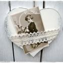 FÉNYKÉPTARTÓ szív, Baba-mama-gyerek, Dekoráció, Esküvő, Esküvői dekoráció, Festett fa szív csipkével. Keresztelőre, esküvőre, anyák napjára romantikus ajándék. Vintage szív, a..., Meska