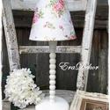 Fa vintage lámpa- Fehér, Otthon, lakberendezés, Lámpa, Asztali lámpa, Esztergált fa lámpa, fehér színre festve. Virágos, romantikus lámpaernyővel. méret: 42cm, Meska