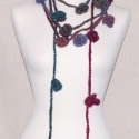 Rózsás nyakbavaló - bordó-türkiz, Kiváló minőségű, hosszan színátmenetes gyap...