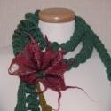 Csavart nyakbavaló - nemezelt virággal II., Kiváló minőségű gyapjúfonalból horgoltam ez...