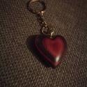 Szív alakú kulcstartó, Dekoráció, Mindenmás, Szerelmeseknek, Kulcstartó, Famegmunkálás, Kopásálló lakkal kezeltem 3 rétegben.  , Meska