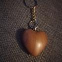 Szív alakú kulcstartó, Dekoráció, Mindenmás, Szerelmeseknek, Kulcstartó, Famegmunkálás, Kopásálló lakkal kezeltem 3 rétegben.   Egzóta fából: Bubingából készült., Meska