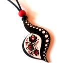 Fekete keretes matyó motívumos nyaklánc, Ékszer, Táska, Divat & Szépség, Ékszerszett, Magyar motívumokkal, Nagyon mutatós darab. A mintát saját terv alapján készítettem. A szettet a különleges formája teszi ..., Meska