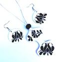 Fehér fekete tulipán motívumos szett 11, Ékszer, Táska, Divat & Szépség, Ékszerszett, Magyar motívumokkal, Nagyon mutatós darab. A mintát saját terv alapján készítettem. Mindkét oldalán mintával ellátva. Ezü..., Meska