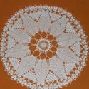 Horgolt terítő, Dekoráció, Otthon, lakberendezés, Lakástextil, Terítő, Horgolt terítő /32cm., Meska