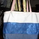 Kék csíkos csak egy van táska, Táska, Szatyor, Tarisznya, Válltáska, oldaltáska, Kék minták, csíkosan....Redőny hevederrel. Belül bélése van a táskának, egy kis zsebbel, melyben mob..., Meska