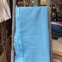 Darázs mintás pamut fürdőlepedő, Világostürkiz színű darázs anyagból készül...