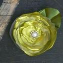 Világos zöld bross, hajdísz, Ékszer, óra, Esküvő, Bross, kitűző, Hajdísz, ruhadísz, Ékszerkészítés, Virágkötés, Brossnak, hajdísznek egyaránt használható. :) A virág 11 cm átmérőjű + levél. Szaténból, organzából..., Meska