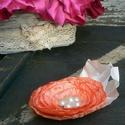 Örökvirág bross, hajdísz, Ékszer, óra, Esküvő, Bross, kitűző, Hajdísz, ruhadísz, Ékszerkészítés, Virágkötés, Szintén több funkciós, brossnak is, hajdísznek is viselheted. :) Átmérője 12 cm + levél. Gyönyörű n..., Meska