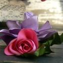 Rózsa bross, hajdísz, Ékszer, óra, Esküvő, Bross, kitűző, Hajdísz, ruhadísz, Ékszerkészítés, Virágkötés, Bross? Hajdísz? Te döntöd el! :) Mérete: 12 x 9 cm Világos lila és rózsaszín színű.  Szaténból kész..., Meska