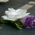 Örökvirág bross, hajdísz, Ékszer, óra, Esküvő, Bross, kitűző, Hajdísz, ruhadísz, Ékszerkészítés, Virágkötés, Brossként, hajdíszként is viselheted. :) Mérete: 12 x 11 cm Fehér, világoslila színű szaténból kész..., Meska
