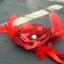 Nyaklánc bevállalós hölgyeknek, Ékszer, óra, Ruha, divat, cipő, Nyaklánc, Ékszerkészítés, Virágkötés, Vagány, belevaló hölgyeknek készült nyakék. :) Megkötős, így hossza állítható. Piros/bordó szaténbó..., Meska