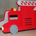Tűzoltóautó alakú meghívó, Naptár, képeslap, album, Képeslap, levélpapír, Papírművészet, Magas minőségű, vastag, színes karton felhasználásával készült ez a tűzoltóautó alakú meghívó. Papí..., Meska