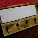 Fali kulcstartó, Mindenmás, Férfiaknak, Kulcstartó, Legénylakás, Famegmunkálás, Kb. 25x10 cm fa fali kulcstartó, egyedi felirattal. A felirat lehet egyedi szöveg, név. Kb 8 karakt..., Meska