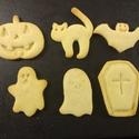 Halloween-i kekszkiszúró szett, Konyhafelszerelés, 6 db halloweeni kekszkiszúró: koporsó, 2 szellem, tök, cica, denevér. A denevér és a cica elérhető s..., Meska