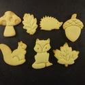 Őszi kekszkiszúró szett, Konyhafelszerelés, 7 db őszi kekszkiszúró: süni, mókus, róka, makk, tölgyfalevél, juharfalevél, gomba. Legnagyobb méret..., Meska