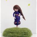 Kismama - tűnemezelt dísz, Otthon & lakás, Dekoráció, Lakberendezés, 12cm-es kismama figura állványon. Várandós barátnőnek, vagy akár emlékbe magadról - magadnak.... :-)..., Meska