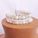 Ragyogó menyasszonyi karkötő, Ékszer, Esküvő, Karkötő, Esküvői ékszer,  8 és 4 mm-es fehér tekla gyöngyök, strassz gyöngyökkel, kristályokkal, és rondellákkal dí..., Meska