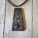 Fémhatású ékszergyurma nyaklánc, Ékszer, Nyaklánc, Medálos nyaklánc, Gyurma, Ékszergyurmából készítettem ezt a fémhatású medált. A lánc viaszolt zsinórból készült, mérete 45 cm..., Meska