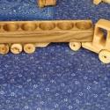 Pálinkás nyergesvontató, Férfiaknak, Játék, Fajáték, Famegmunkálás, A fa verdák pálinkás széria egyik kiegészítő darabja. Teherfuvarozók és kamionkedvelők egyetlen leg..., Meska