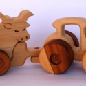 Fa verdák pótostraktor állatkával, Baba-mama-gyerek, Játék, Gyerekszoba, Fajáték, Famegmunkálás, A fa verdák széria egyszerűbb pótkocsis változata, 5-6 féle levehető háziállatkával. Traktor+pótkoc..., Meska
