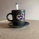 Lila rózsás kávéskészlet kanállal, Otthon & Lakás, Konyhafelszerelés, Bögre & Csésze, Gyurma, Lila rózsás kávéskészlet kanállal garnitúra. A garnitúra 1 db 9 cl kávéscsészéből+aljból (szürke) é..., Meska