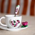 Bordó rózsás szív kávéskészlet garnitúra, Otthon & Lakás, Konyhafelszerelés, Bögre & Csésze, Gyurma, Bordó rózsás szív kávéskészlet garnitúra. A garnitúra 1 db törtfehér kávéscsészéből+aljból (csészea..., Meska
