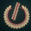gyöngyház fehér-piros gyöngynyaklánc-karkötő együttes,, gyöngynyaklánc, gyöngyékszer, ajándék, Ékszer, Ékszerszett, Nyaklánc, Karkötő, Nagyon szép, különleges ékszeregyüttes.  Gyöngyház fehér - piros kásagyöngyből készítettem ezt az ék..., Meska
