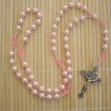 Rózsaszín-pink gyerek, kislány rózsafüzér,  keresztelő, első áldpzás, bérmálás ajándék, Mindenmás, Baba-mama-gyerek, Ékszer, óra, Vallási tárgyak, Gyöngyfűzés, 6 mm-es púder rózsaszín teklagyöngy és pink színű üveg kristálygyöngyből készült ez a szép rózsafüz..., Meska