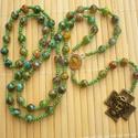 Különleges zöld  gyöngy rózsafüzér keresztelő, elsőáldozás, ajándék, Magyar motívumokkal, Mindenmás, Ékszer, Vallási tárgyak, Különleges, szépen kidolgozott antik bronz színű Jézus fejet ábrázoló kereszthez választottam gyöngy..., Meska