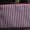 Neszesszer , Táska, Neszesszer, Piros csíkos Annie Sloan textilből készült neszesszer , piros cipzárral a cipzár kocsin  bőr rojt ta..., Meska