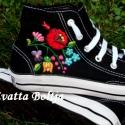 Kalocsai hímzett tornacipő , A vászont cipőt kézzel hímeztem. 38-es méret,...