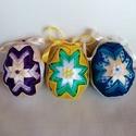 Húsvéti patchwork tojás, Otthon & Lakás, Dekoráció, Függődísz, Patchwork, foltvarrás, Kb. 7cm magas hungarocell és szatén szalagból készült húsvéti tojás.Ajándék tojás húsvétra.    A 3d..., Meska