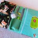 Új Design Pelenkatáska, Pelenkatartó táska, Baba-mama-gyerek, Baba-mama kellék, Extra méretű minőségi designer textilből készült pelenkázó táska.  A popsitörlős rész cipzárral záró..., Meska