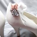 Menyasszonyi cipőklipsz rózsákkal, Rózsás menyasszonyi cipődísz, Ékszer, Esküvő, Cipő, cipőklipsz, Púderrózsaszín cipőklipsz rózsákkal, Rózsás menyasszonyi cipődísz   A cipőd ékszere lehe..., Meska