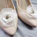 Fehér menyasszonyi cipőklipsz csillogó kövekkel, Esküvő, Cipő, cipőklipsz, Fehér menyasszonyi cipőklipsz csillogó kövekkel  A cipőd ékszere lehet ez a bájos darab.  A c..., Meska