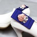 Kék cipőklipsz rózsákkal és hamis gyémántokkal, Esküvő, Cipő, cipőklipsz, Kék cipőklipsz rózsákkal és hamis gyémántokkal  Méretek: Magassága:3,3cm Hossza:7,5 cm A ci..., Meska