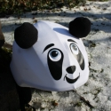 Panda sisakhuzat gyerekeknek, XS-M bukósisakokra tervezve, Ruha, divat, cipő, Gyerekruha, Gyerek (4-10 év), Kendő, sál, sapka, kesztyű, Varrás, PANDÁS sisakhuzattal vidámmá varázsolhatod gyermeked bukósisakját! Rugalmas elasztikus anyagból kés..., Meska