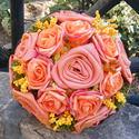 Narancs Kerek Csokor esküvőre,ballagásra, Esküvő, Otthon & lakás, Esküvői csokor, Dekoráció, Esküvői dekoráció, Narancssárga habrózsák és selyemből kézzel készített rózsák alkotják ezt a kis tömör,kerek csokrot.G..., Meska