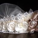 Vintage csipke fejdísz, Esküvő, Hajdísz, ruhadísz, Esküvői ékszer, Menyasszonyi ruha, Egy fátylas díszt készítettem,szatén virágokkal és gyöngyökkel kombinálva. Eredetileg füg..., Meska