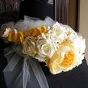 Tavasz - Nyár hajdísz,fejdísz esküvőre, Esküvő, Esküvői ékszer, Hajdísz, ruhadísz, Menyasszonyi ruha, Virágkötés, Varrás,  Habrózsákból,selyem virágból és csipkéből állítottam össze ezt a kontydíszítő kompozíciót. A paszt..., Meska