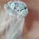 Rózsás hajdísz fátyollal esküvőre, Esküvő, Esküvői ékszer, Hajdísz, ruhadísz, Menyasszonyi ruha, Apró,ekrü színű habrózsákból készítettem hajdíszt,sok csipke felhasználásával.Tüll fátyollal egészül..., Meska