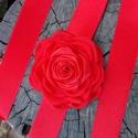 Tűzpiros rózsa esküvői öv, Esküvő, Hajdísz, ruhadísz, Menyasszonyi ruha, Esküvői ékszer, Szatén övpántra taft és szatén kombinációban készített rózsát tettem. Nagyon mutatós menyecske ruháh..., Meska