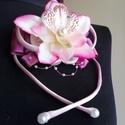 Kardísz orchideával esküvőre, Esküvő, Esküvői ékszer, Hajdísz, ruhadísz, Menyasszonyi ruha, Virágkötés, Varrás, Megrendelésre készült,selyem virág,szatén és organza felhasználásával.  Hasonló termék készítéséhez..., Meska