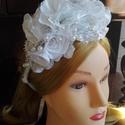 Fejdísz,hajpánt esküvőre, Esküvő, Esküvői ékszer, Hajdísz, ruhadísz, Menyasszonyi ruha, Virágkötés, Varrás, Fejdísz,hajpánt esküvőre.Szaténból készítettem a virágokat,a porzók ékszerdrótból,flitteres díszíté..., Meska