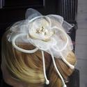 Aranyhaj Virágdísz,Hajdísz , Esküvő, Esküvői ékszer, Hajdísz, ruhadísz, Menyasszonyi ruha, Organzából,gyöngyökből és flitteres szirmokból állítottam össze egy virágos hajba valót. A szatén zs..., Meska