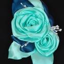 Vőlegény kitűző menta és kék, Rendelésre készült termék. Két rózsás, leve...